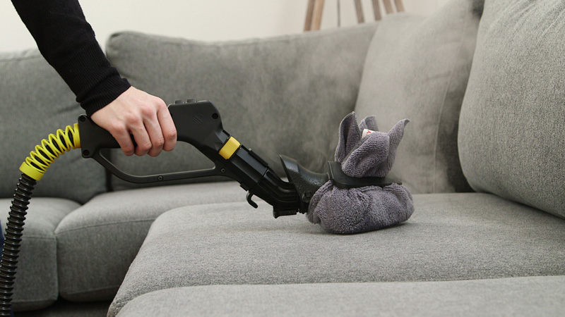Химчистка диванов - как проводить качественную чистку велюрового дивана домашними средствами