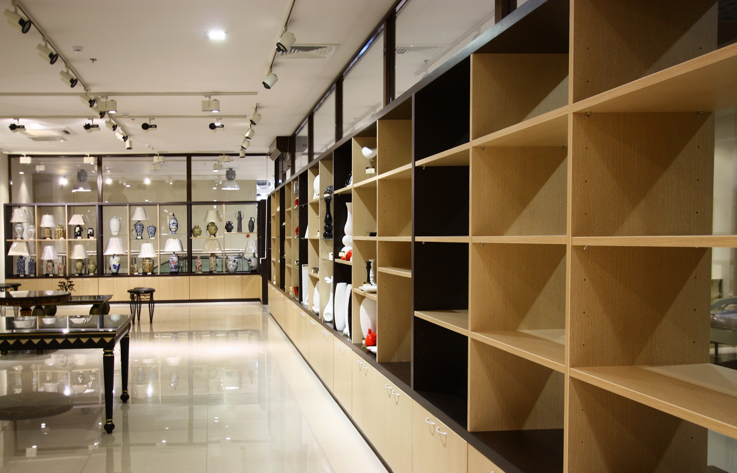 Как выбрать торговую мебель?
